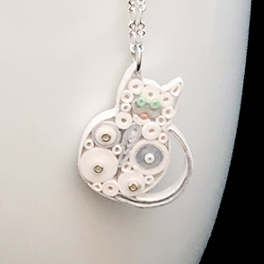 Quilled Paper Treasures - Cat necklace in white and silver